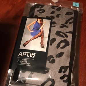 FREE IN BUNDLE Apt. 9 SMALL Sheer Tights NWT